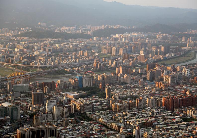 想在台北市買新屋?月薪達到這個數字再說