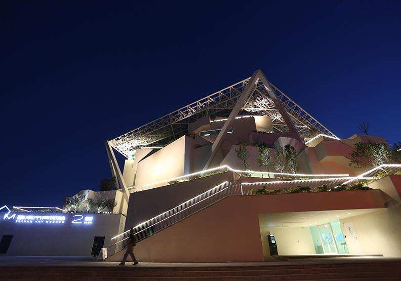 從美術、建築、歷史到人文  台南美術館為古都添藝韻