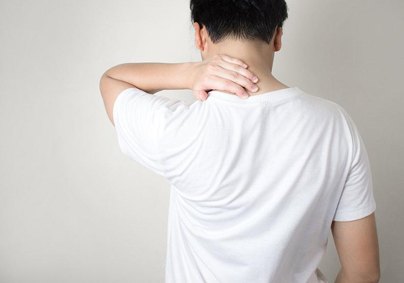 脖子痛是中風前兆?先別慌,這 6 種情況儘早檢查
