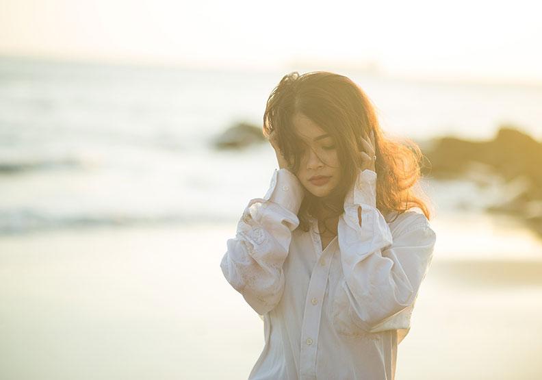 別急著後悔、檢討!面對消極情緒,3步驟接納它