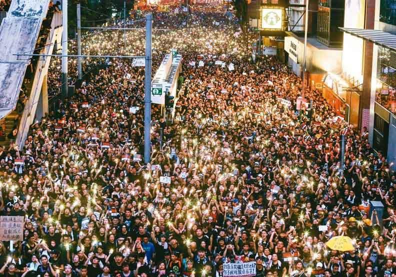 香港兩百萬人示威逼得特首道歉 修例暫緩但沒撤回