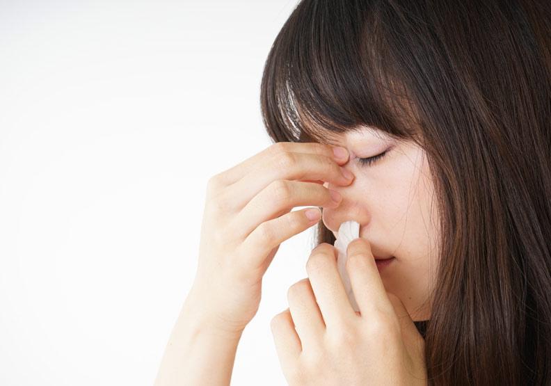 單側不明原因流鼻水?別輕忽,認識「腦脊髓液鼻漏」