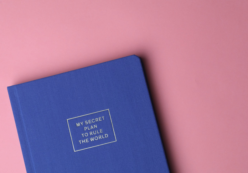 柔弱還是反叛?從藝術與時尚一窺最具爭議的粉紅色