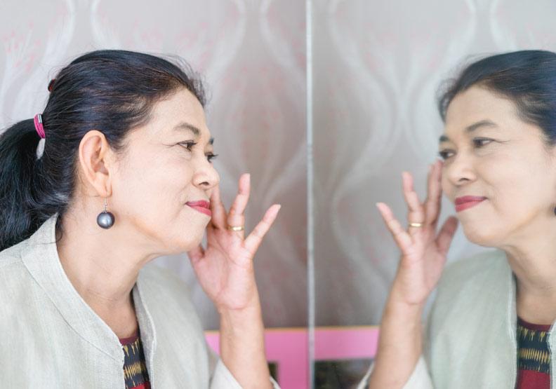 年齡增長≠劣化,女人為何對「老去」如此恐懼?