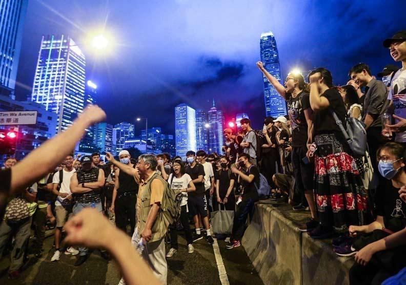 為什麼香港百萬人抗議,中國也不敢大動作鎮壓?