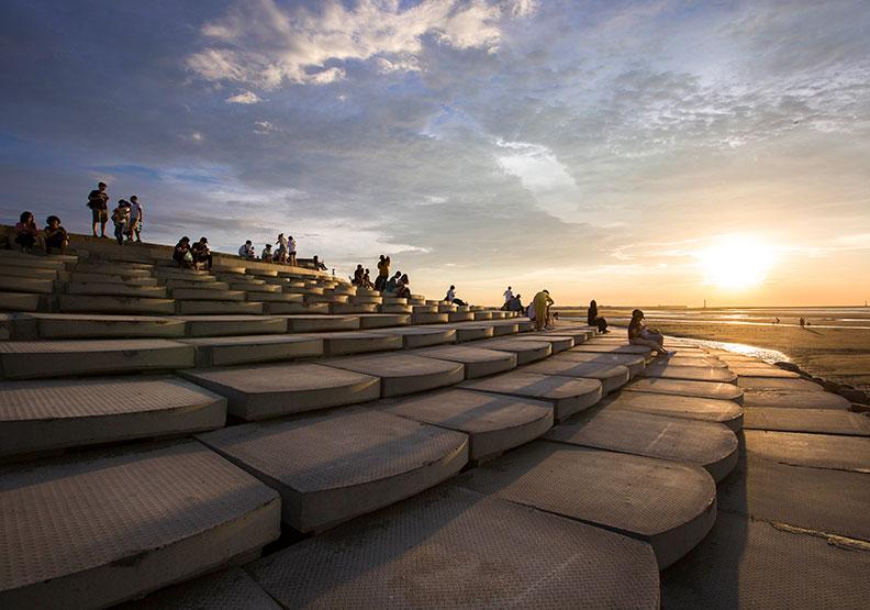 新竹市變臉、又美又「水」 微笑水岸創造親子城市樂園