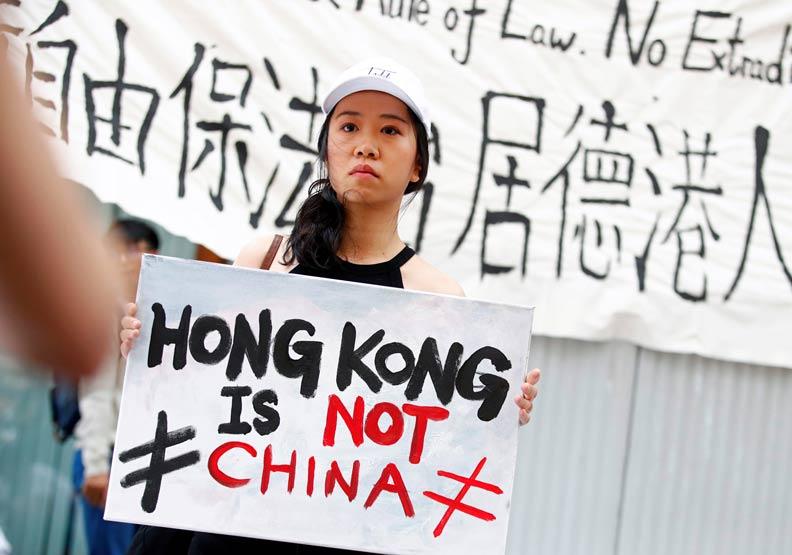 他們期待香港,我把希望放在台灣