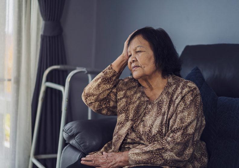 不只是衰老!這 7 大症狀可能為慢性淋巴性白血病前兆