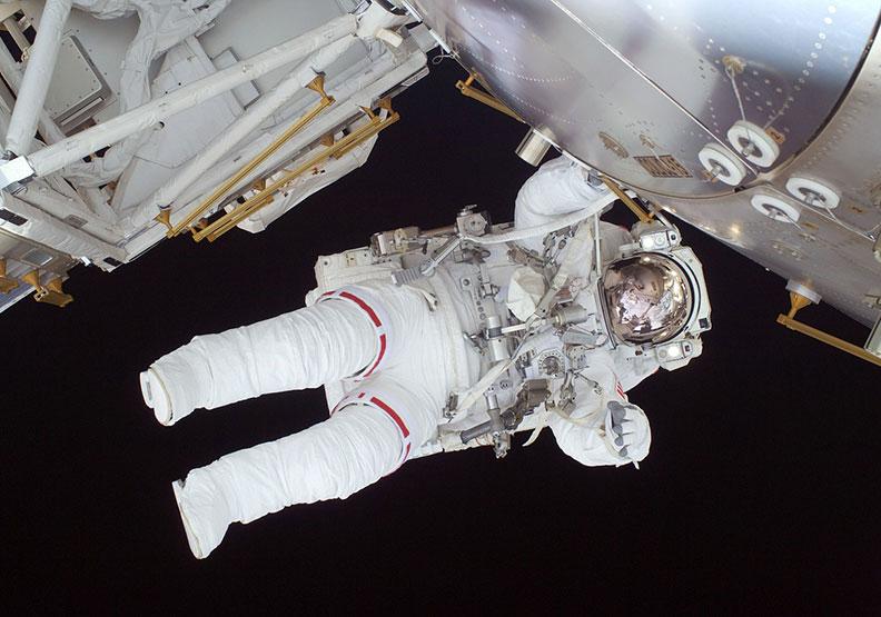 阿姆斯壯的太空衣,居然是內衣品牌製作的!