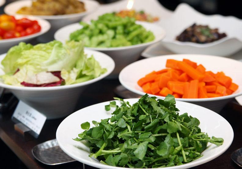 飲食內容是健康生活型態重要的一環;蘇義傑攝。