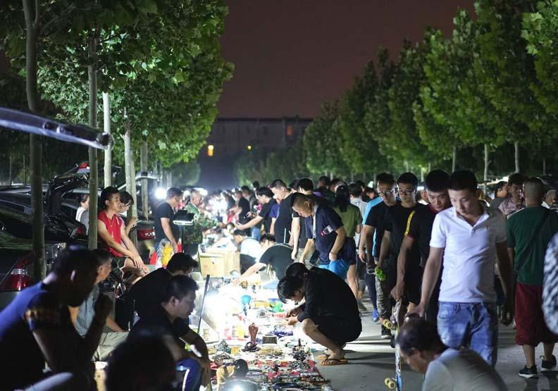 盜墓與銷贓的聖地!北京最神祕市集凌晨開張