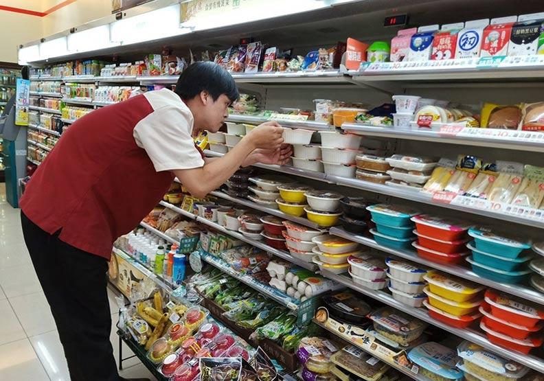 丹娜絲颱風來襲!四大超商這5款商品增加1.5倍存貨