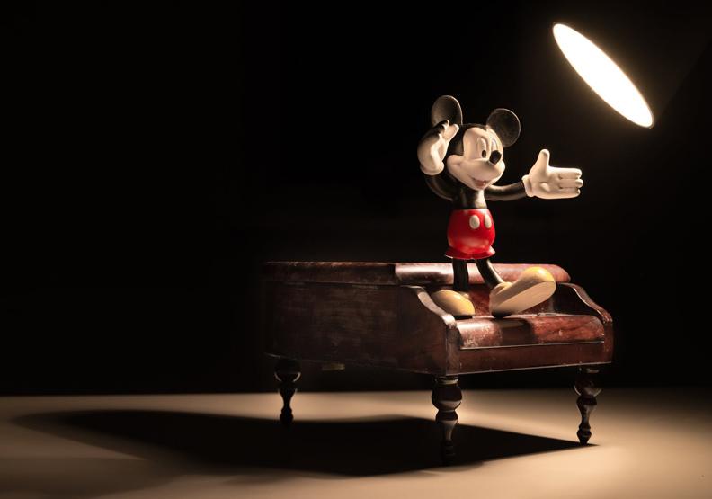 寫給大人的迪士尼攻略:童話不是用來相信,而是用來遠望
