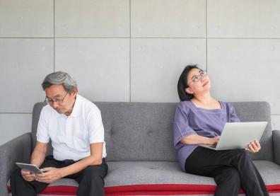 面對空巢期的夫妻:找回自我、重新愛自己有多不容易?