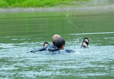 不是淹死,而是窒息而死:不可不知的「乾性溺水」