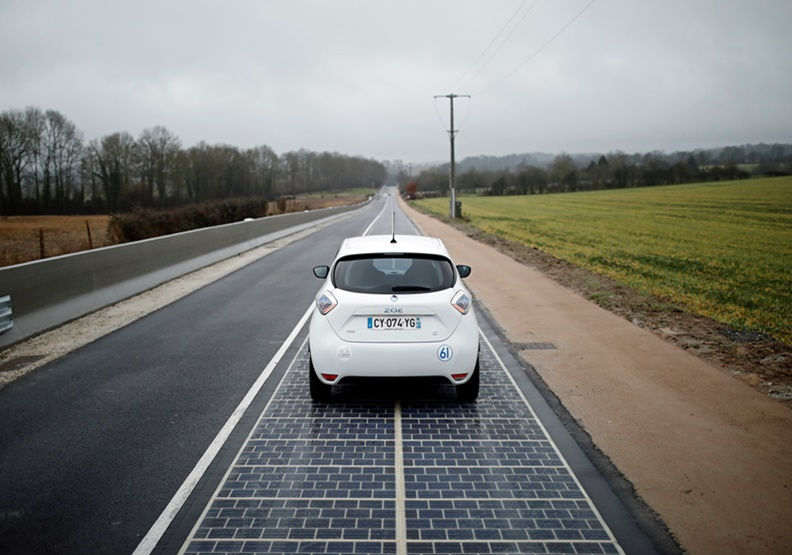 太陽能板裝在馬路上會怎樣?法國試了結果超慘