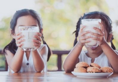要幫孩子補鈣光喝豆漿不夠,營養師傳授促發育 4 招