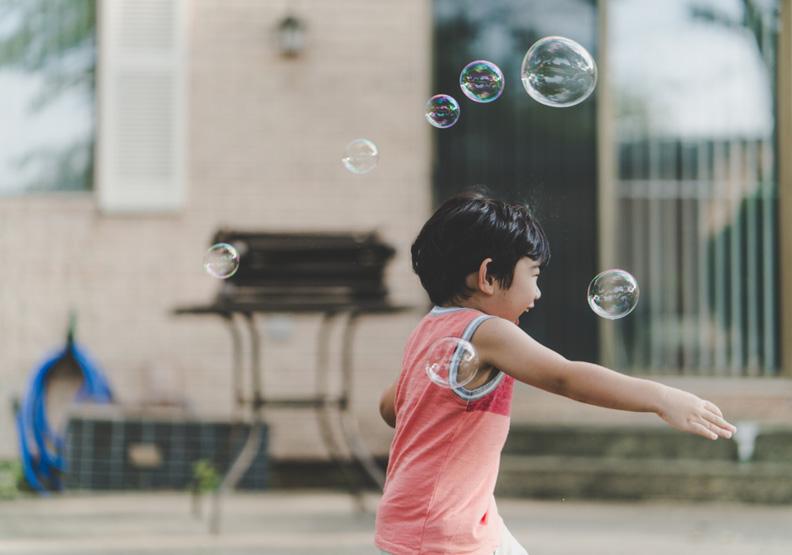 不要剝奪孩子體驗的機會!給他們一劑「危險的預防針」