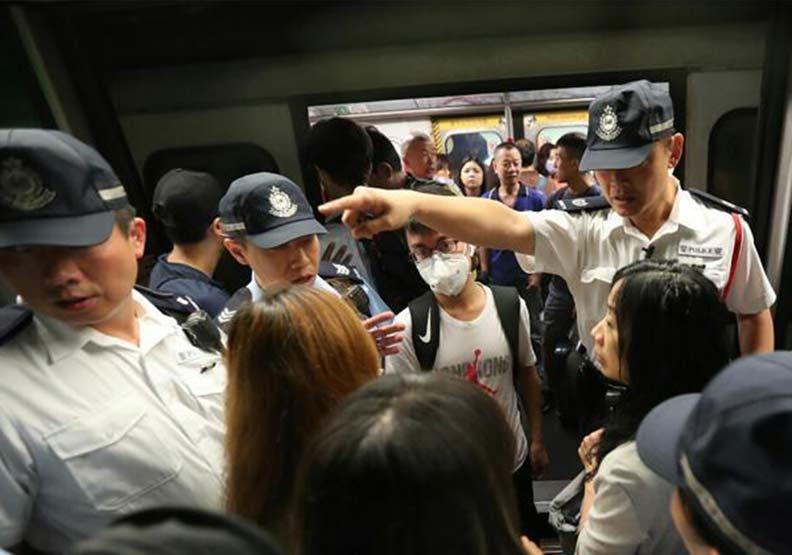 香港史上最大規模「三罷」!交通幾近全面癱瘓