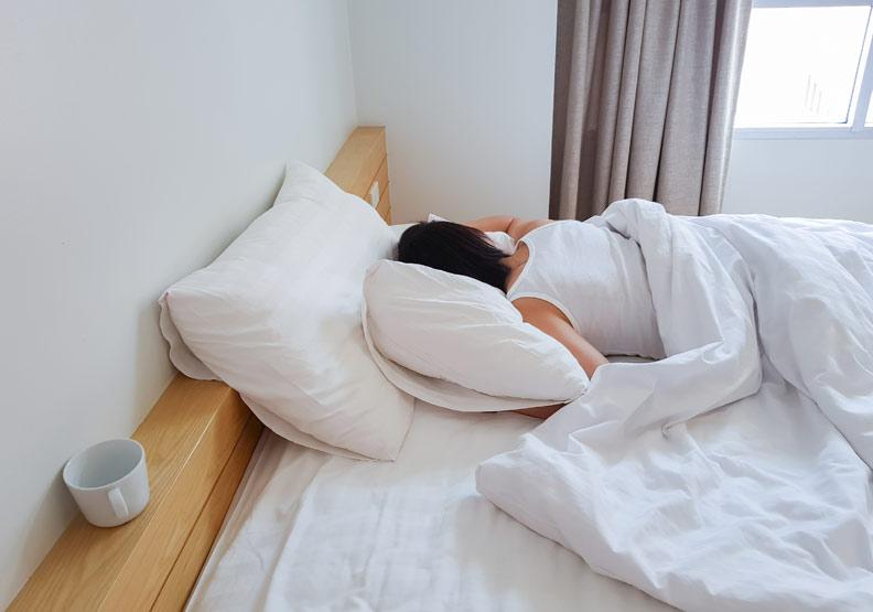 睡得好才能修復身體!醫師推薦好眠的 9 個祕訣