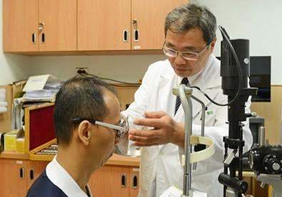 20歲後近視度數短期暴增,原來是因白內障影響!