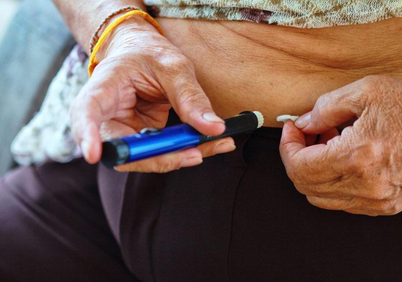 糖友胰島素打在腹部吸收最快!正確使用胰島素注射劑