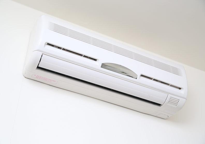 冷氣怎麼吹才省電?6 步驟讓室內快速降溫還能顧健康