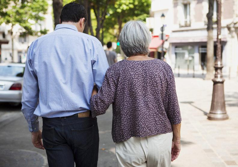 意外往往讓你無從準備...正視父母老衰病死的照護課題