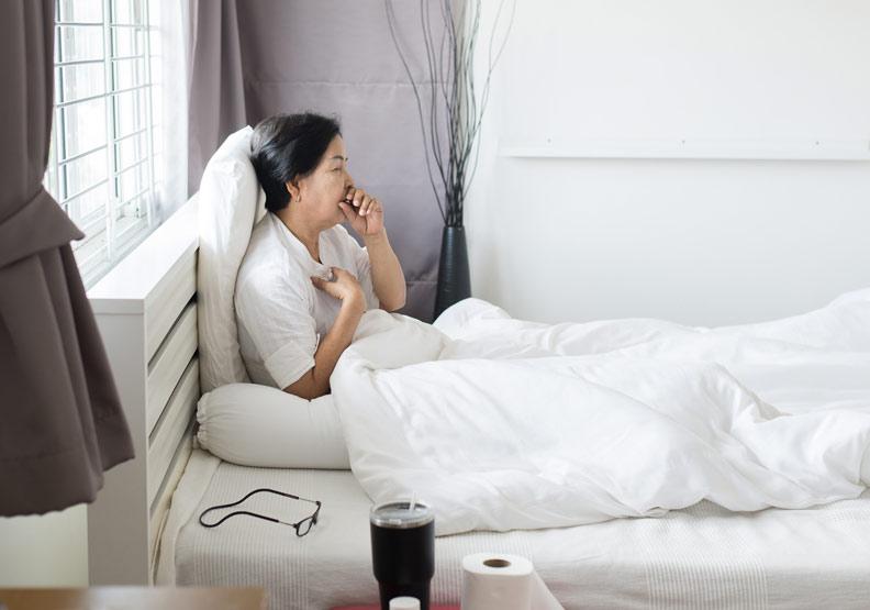 喘咳痰達一個月別忽視!高溫讓病情惡化,肺阻塞每年奪6千國人性命