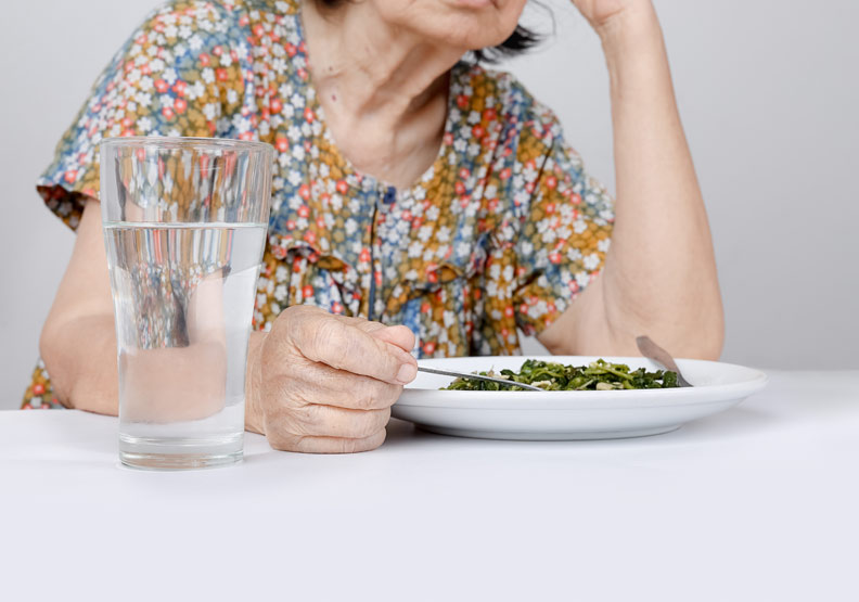 以為食慾不好只是老化症狀?小心慢性淋巴性白血病治療三大迷思