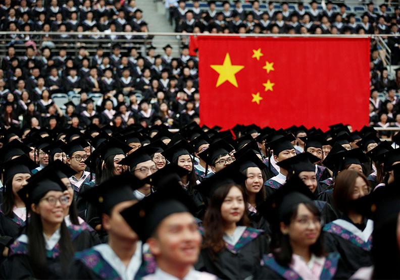 中國大陸年生產830萬高教畢業生,求職壓力嚴峻