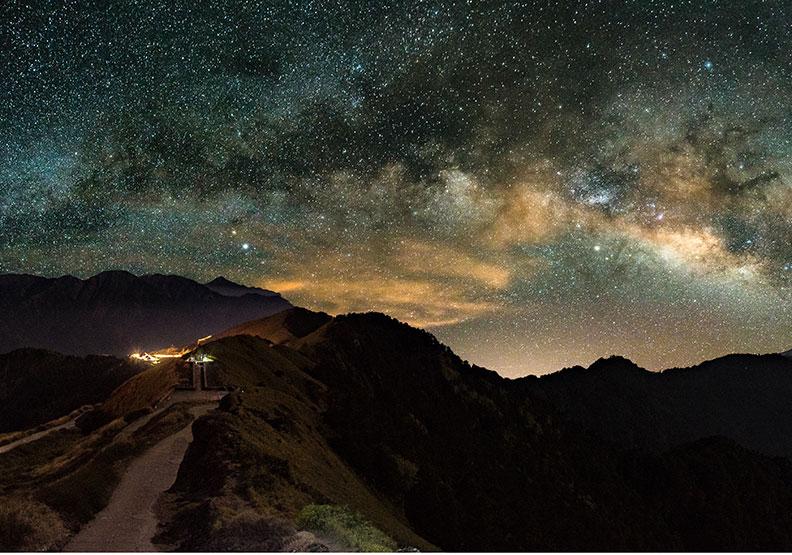 合歡山摘星賞銀河  暗空公園愈夜愈美麗