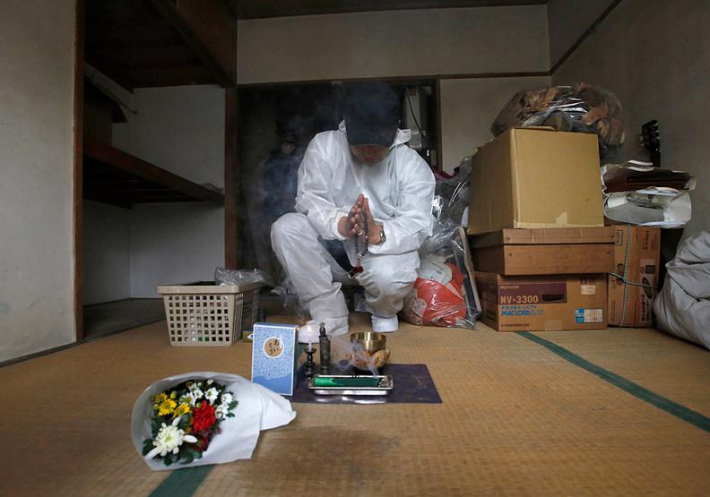 日本老化的悲歌:「愈來愈多獨居老人,死後不會有什麼人參加葬禮。」