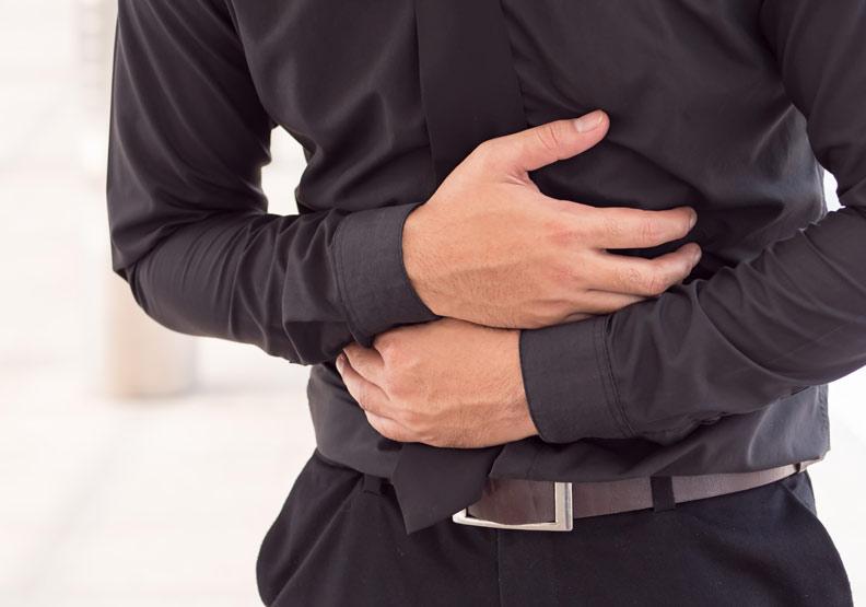 免疫系統亮紅燈!「克隆氏症」讓30歲男血便、體重剩一半