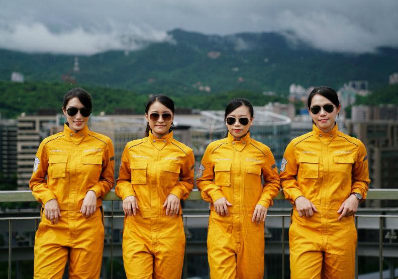 星宇航空師法NASA太空服,全台最帥氣美女機師出列!