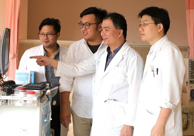 亞洲大學人工智慧師生團隊研發能力強
