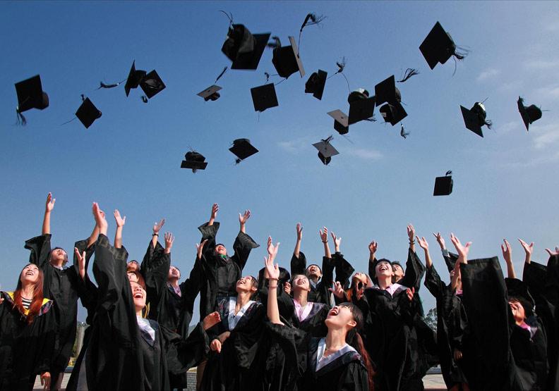 在台念高中,同時獲得國內外雙文憑?台北市5所高中推「雙聯學制」