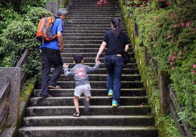 每爬一階多活4秒!把握空檔運動,原來爬樓梯的好處這麼多
