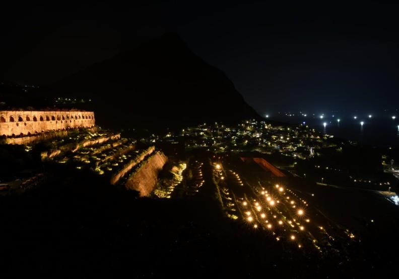 瑞芳十三層遺址中秋夜亮起來 上萬民眾大呼「美翻了」