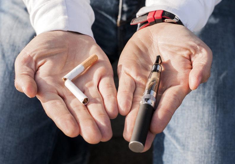 電子菸有助戒菸嗎?美國上百位青少年使用後呼吸衰竭住院