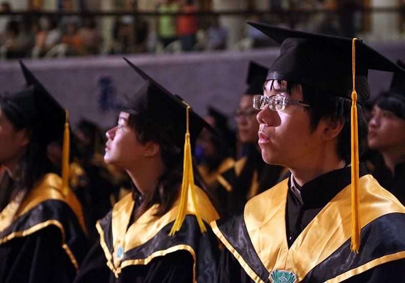 全台逾1/3研究生休退學 如期畢業「登出」有祕訣?