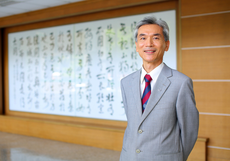 中興大學校長薛富盛:人生不只有一次選擇,不討厭的事就大膽嘗試
