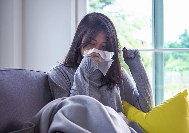 初秋天氣變化大,中醫:在出現先兆時就先制伏感冒
