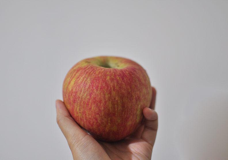解便祕、防膽結石!吃蘋果少做這個動作更能攝取完整營養