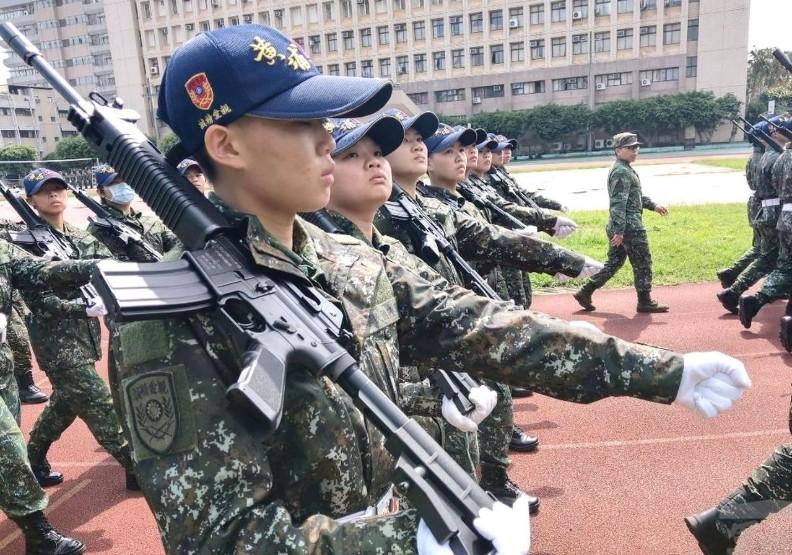 國軍為何搶建中、北一女學生?近七成高中職廣設國防班