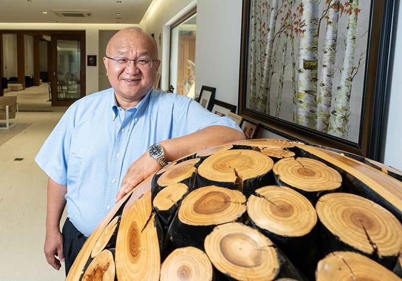 木材、房地產都有敏實身影!興趣涉獵廣泛,秦榮華對木頭情有獨鍾