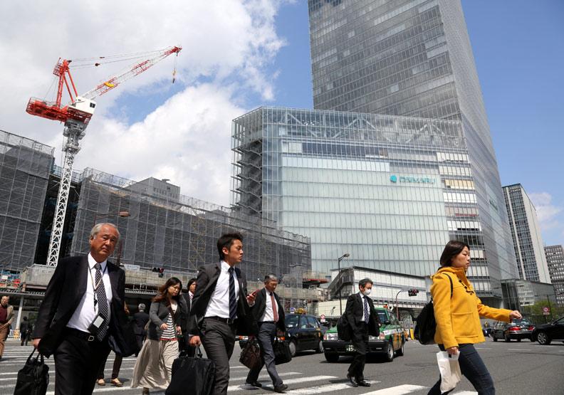 日本再掀投資海外熱潮,逐利全球但帶來更多隱憂?