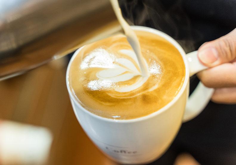 我適合喝咖啡嗎?中醫教你從舌頭一眼辨別體質
