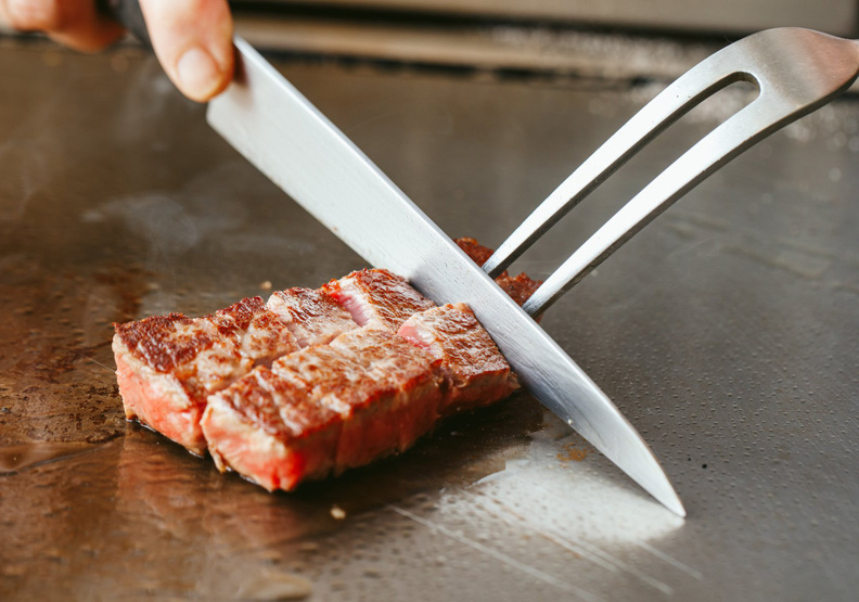 10大頂級鐵板燒:全球首間摘下米其林一星的鐵板燒餐廳也上榜!