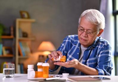 爸媽今天吃藥了嗎?遵循醫囑用藥,千萬不可自己「當醫生」